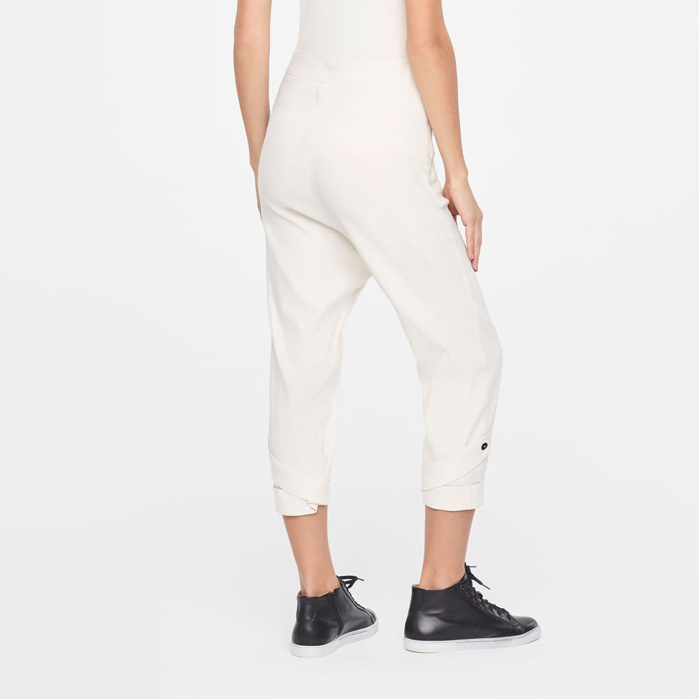 Sarah Pacini CROPPED LINEN PANTS WITH CUFFS Back view