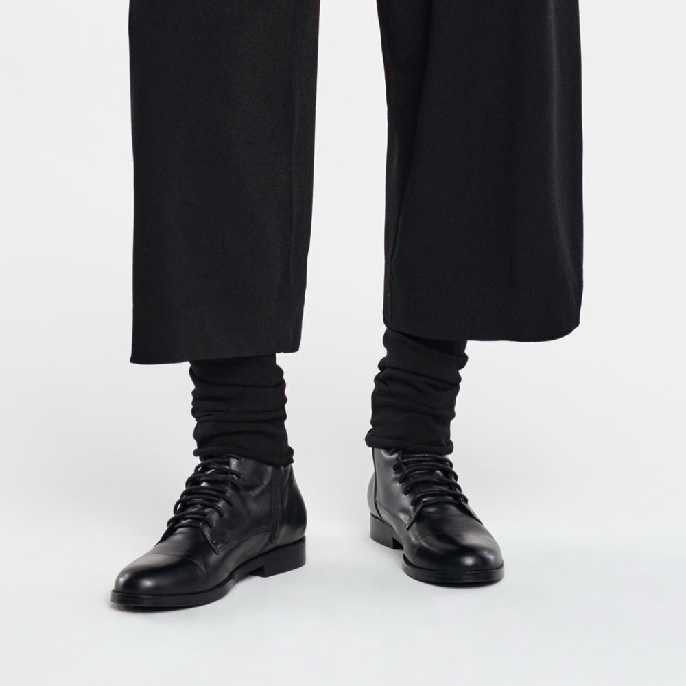 Sarah Pacini LEG WARMERS Front