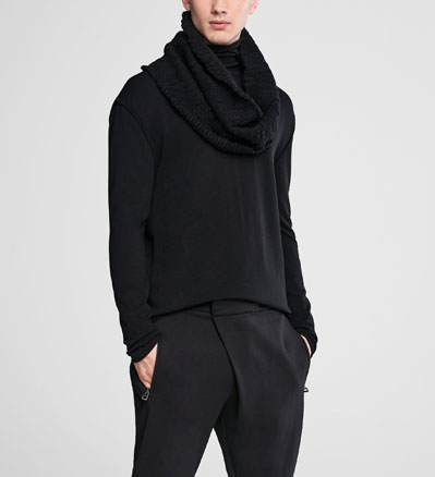 Sarah Pacini Wool collar with pin Front